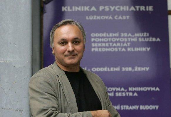 Profesor Ján Praško: Ve zdravotnictví je psychoterapie popelkou