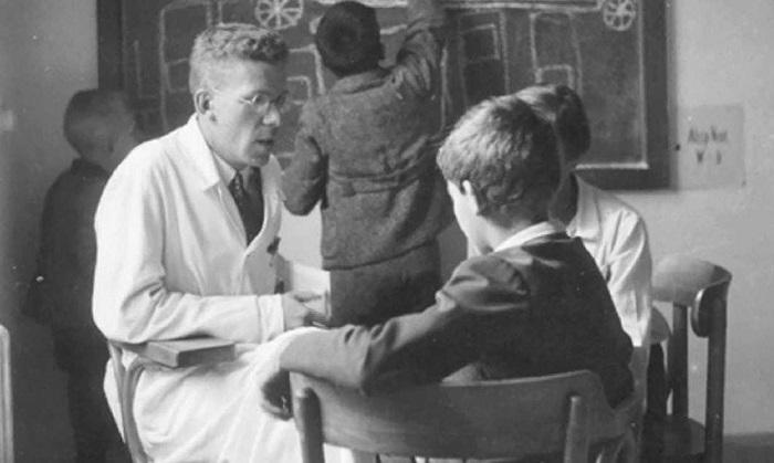Hans Asperger: Anděl, nebo padouch? 1